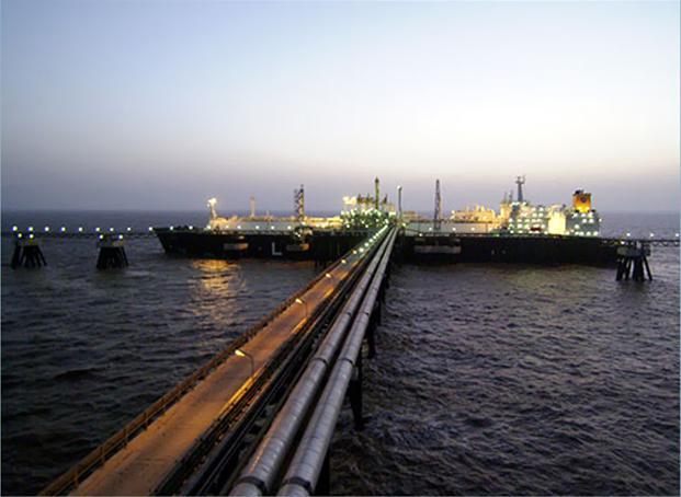 LNG price slump sends Indian Oil Corporation on buying binge