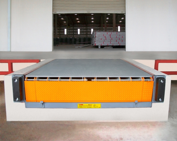 Gandhi Automations' Dock Leveler facilitating fast, smooth and safe transition