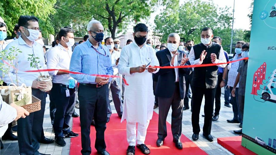 Union Power Minister inaugurates public EV Charging Plaza in New Delhi