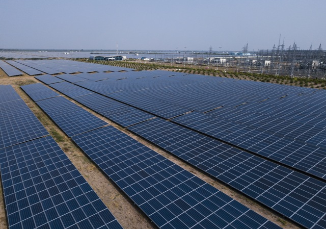 AGEL commissions 150 MW Solar Power Plant at Kutchh, Gujarat,3 months ahead of schedule