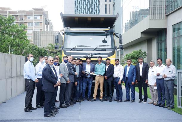 Volvo Trucks India delivers 1000th truck to Mahalaxmi Group